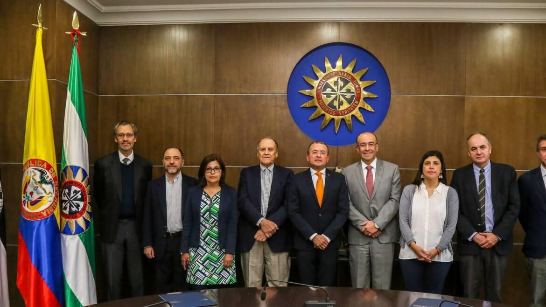 Acreditación institucional de Universidad Santo Tomás