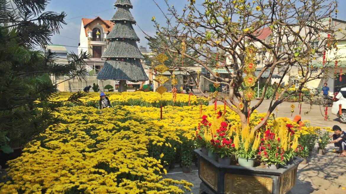 IN VIETNAM, FLOWERS ARE RELIGIOUS