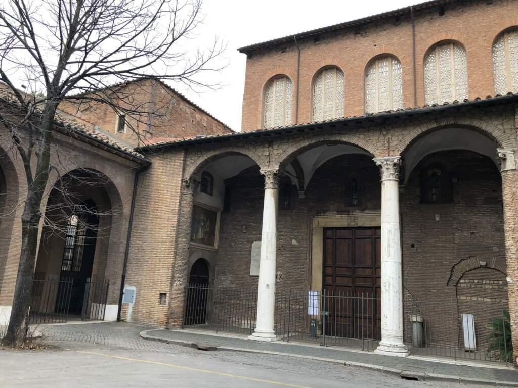 Basilica de Santa Sabina all'Aventino - Entrata